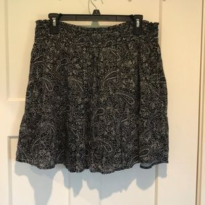 Flowy black and white A line skirt